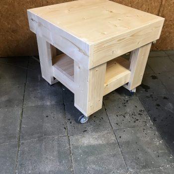 Tafel klein met wielen